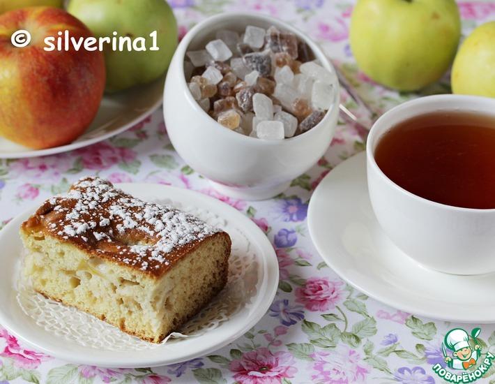 Рецепт: Сметанно-медовый пирог с яблоками