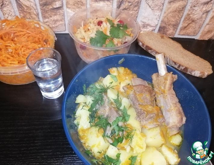 Рецепт: Свиные ребрышки с тушеным картофелем