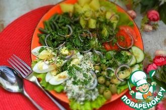 Рецепт: Салат с запечённой скумбрией