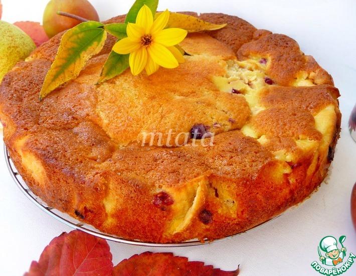 Рецепт: Яблочный пирог с пудингом и ягодами