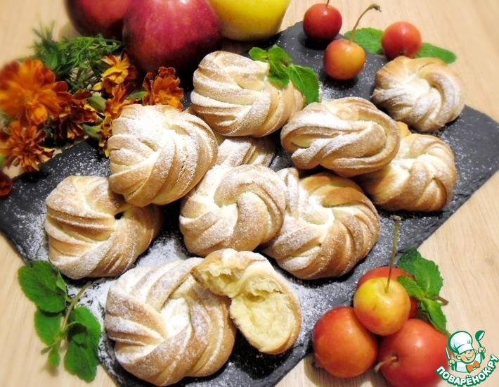 Рецепт: Булочки песочные с яблоками