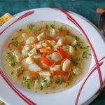 Венгерский суп с цветной капустой и клецками
