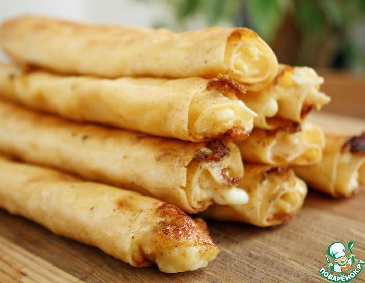 Рецепт: Трубочки с творогом и сыром