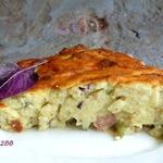 Пирог из кабачкового теста с колбасой