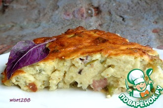 Рецепт: Пирог из кабачкового теста с колбасой