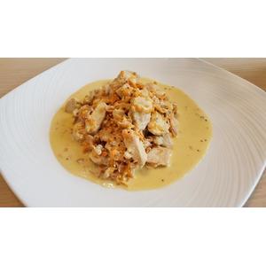 Куриное филе в соусе со сметаной
