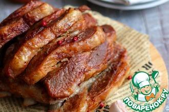 Рецепт: Свиная корейка с чесноком и пряностями