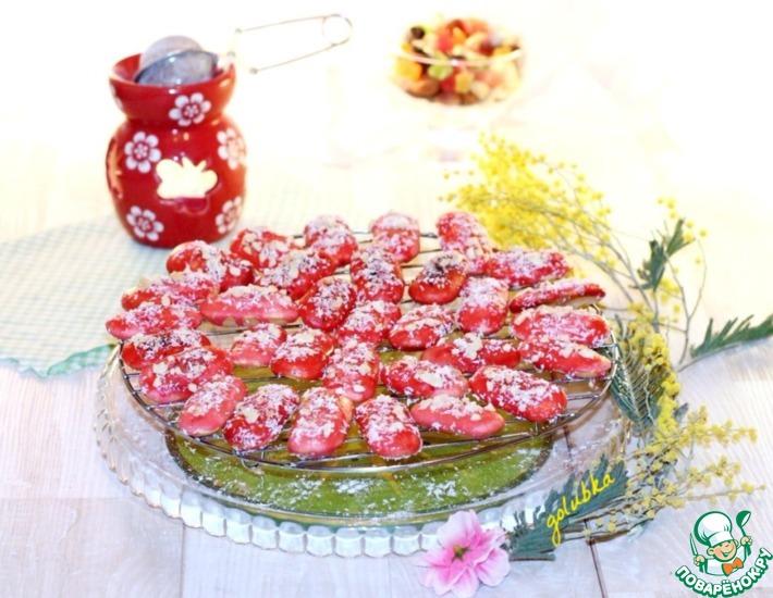 Рецепт: Печенье в шоколадно-малиновой глазури