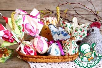 Рецепт: Декор пасхальных яиц салфетками и лентами
