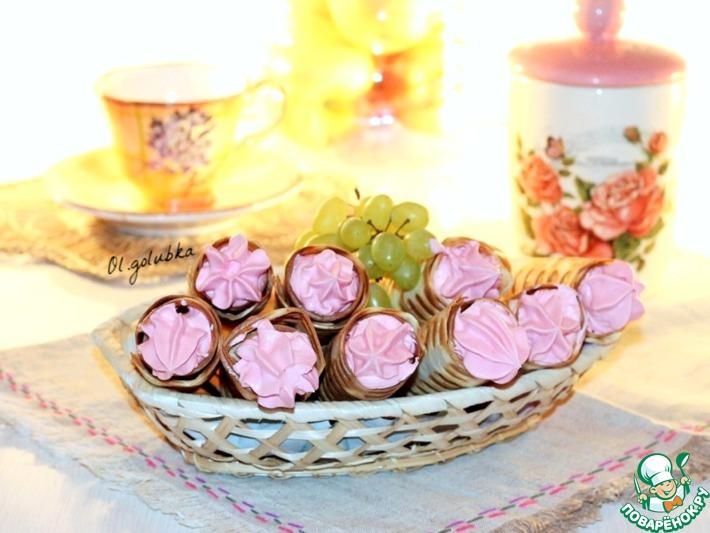 Хрустящие вафельные трубочки с кремом