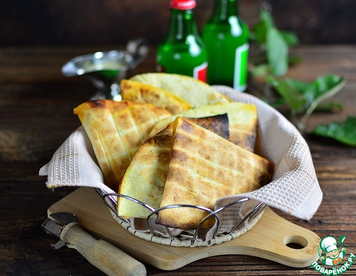 Рецепт: Треугольнички гриль с индейкой и шпинатом