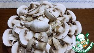 Салат с кальмарами и грибами Кальмар