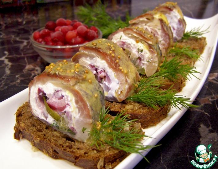 Рецепт: Закусочные рулеты из сельди