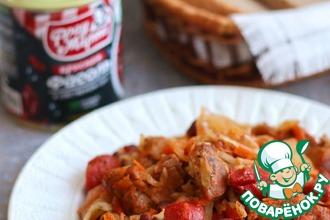Рецепт: Тушеная капуста с мясом и колбасками