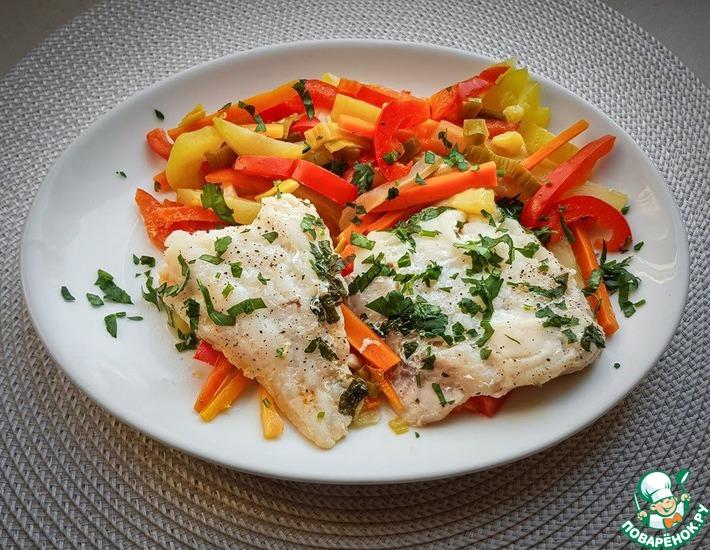 Рецепт: Филе трески на пару с овощами