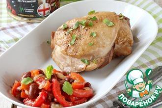 Рецепт: Куриные бедра с фасолью и перцем
