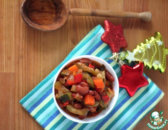 Рецепт: Фасолевый салат с солёным огурцом