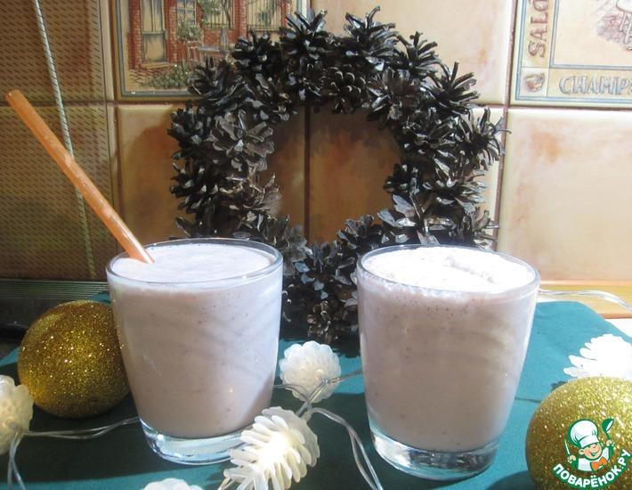 Рецепт: Клубнично-молочный коктейль с мороженым