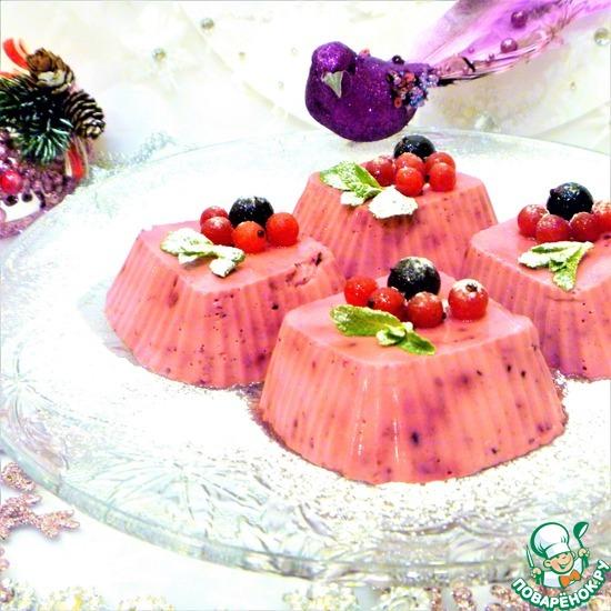 """Сливочный десерт """"Паннакотта с ягодами"""""""