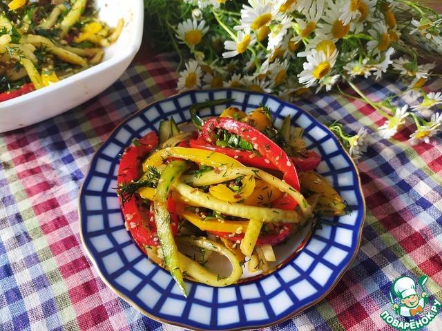 Салат из огурцов и сладкого перца