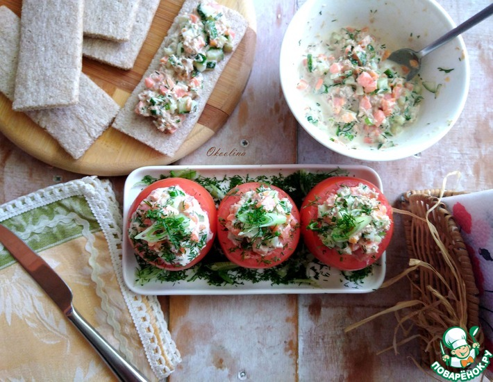 Рецепт: Закуска в помидорах с тунцом