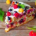 Нарядный ягодный пирог