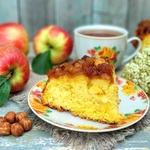 Пирог под яблочно-ореховой карамелью