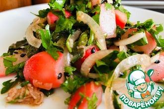 Рецепт: Острый салат с молодым редисом