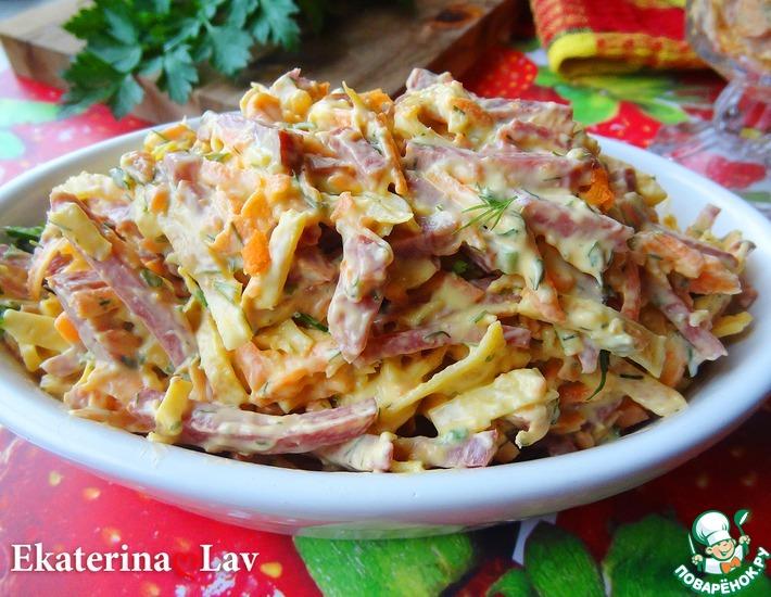 Рецепт: Салат Обжорка с яичными блинчиками