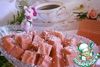Рецепт: Воздушный десерт с клубникой