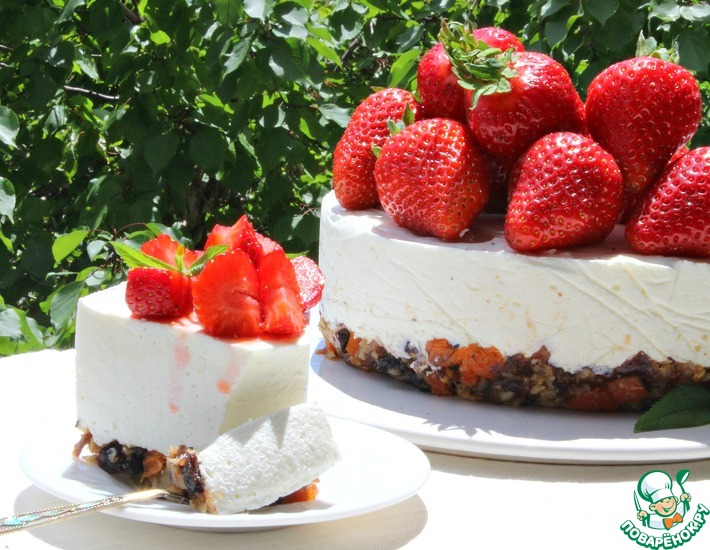 Рецепт: Торт без выпечки на основе из сухофруктов
