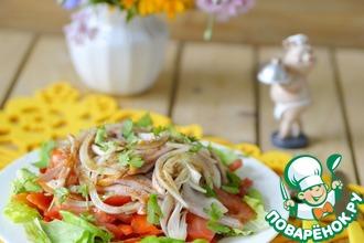 Рецепт: Салат из полукопчёной колбасы с овощами