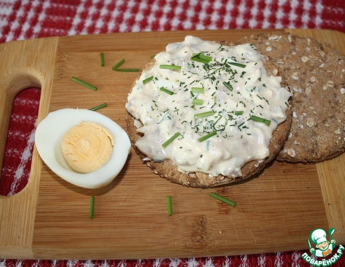 Рецепт: Яичный салат с сельдью