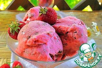 Рецепт: Мороженое «Клубника со сливками в шоколаде»