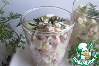 Рецепт: Салат из копченой курицы с сельдереем