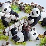 Фигурка панды из сахарной мастики