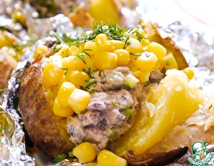 Рецепт: Печеный картофель с рыбной начинкой