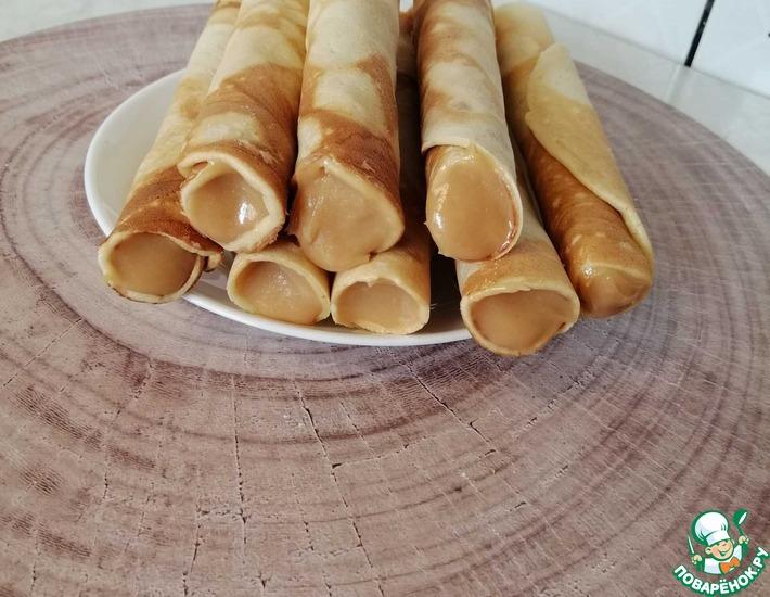 Рецепт: Вафельные трубочки на сковороде