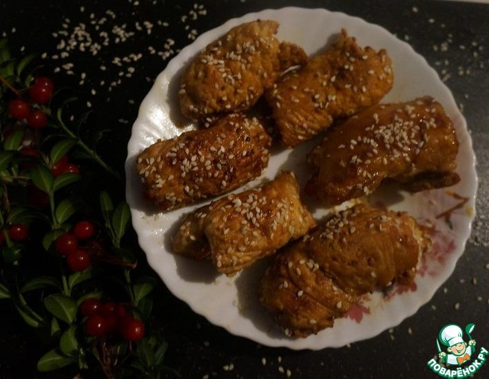 Рецепт: Рулеты из индейки с ананасами