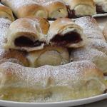 Сдобные пирожки с вишней