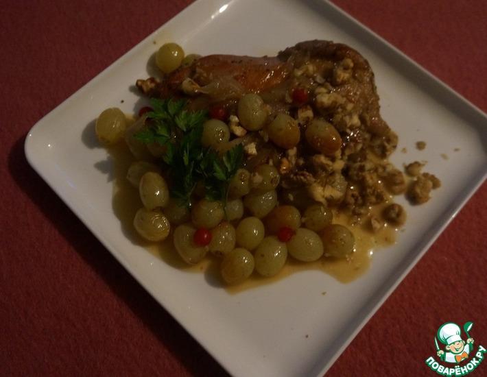 Рецепт: Куриный стейк под виноградным соусом