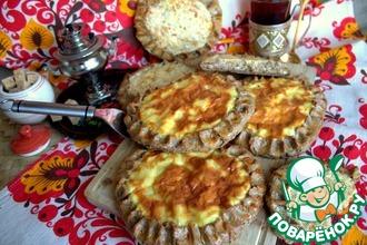 Рецепт: Ржаные шаньги с крупой и картофелем