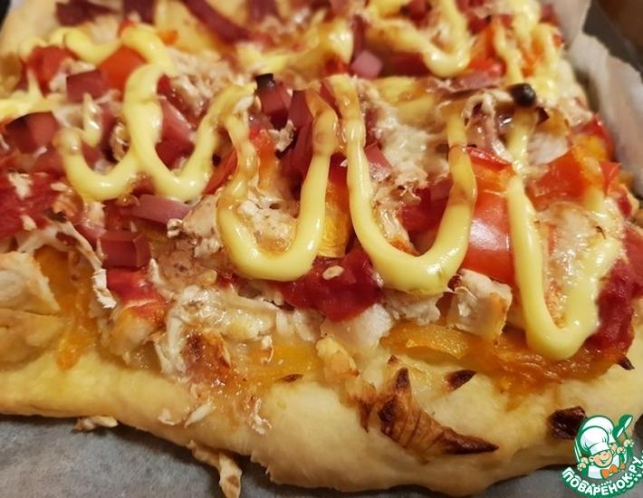 Пицца с курицей и майонезом