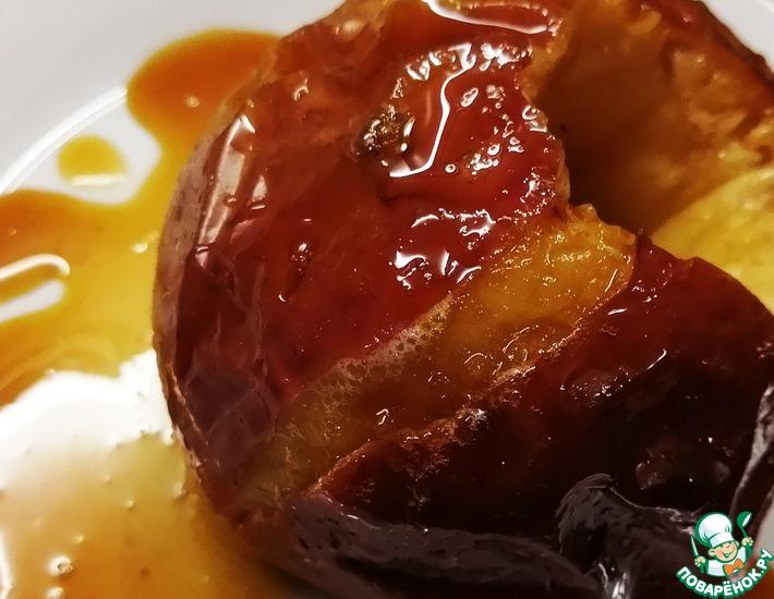 Рецепт: Запеченные яблоки с медовым сиропом