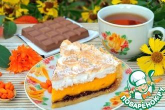 Рецепт: Облепиховый тарт с шоколадом и меренгой