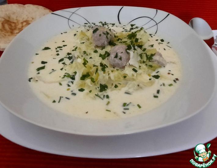 Рецепт: Капустный сливочный суп с фрикадельками