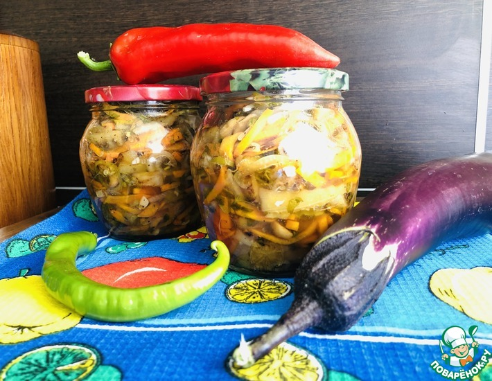 Рецепт: Острый салат с баклажанами на зиму