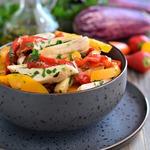 Запеченные овощи с куриным филе
