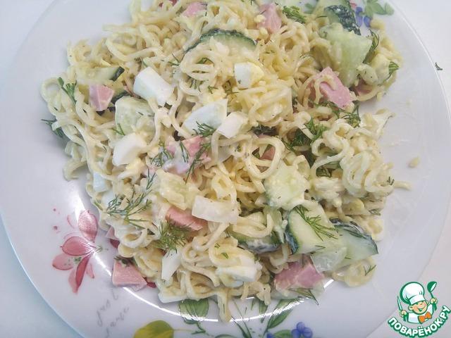 Весенний салат с вермишелью быстрого приготовления