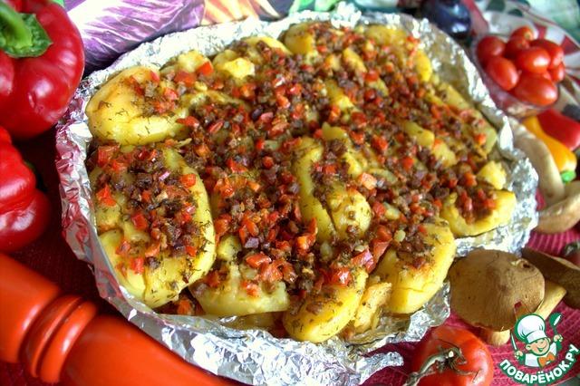 Мятая картошка в духовке с начинками